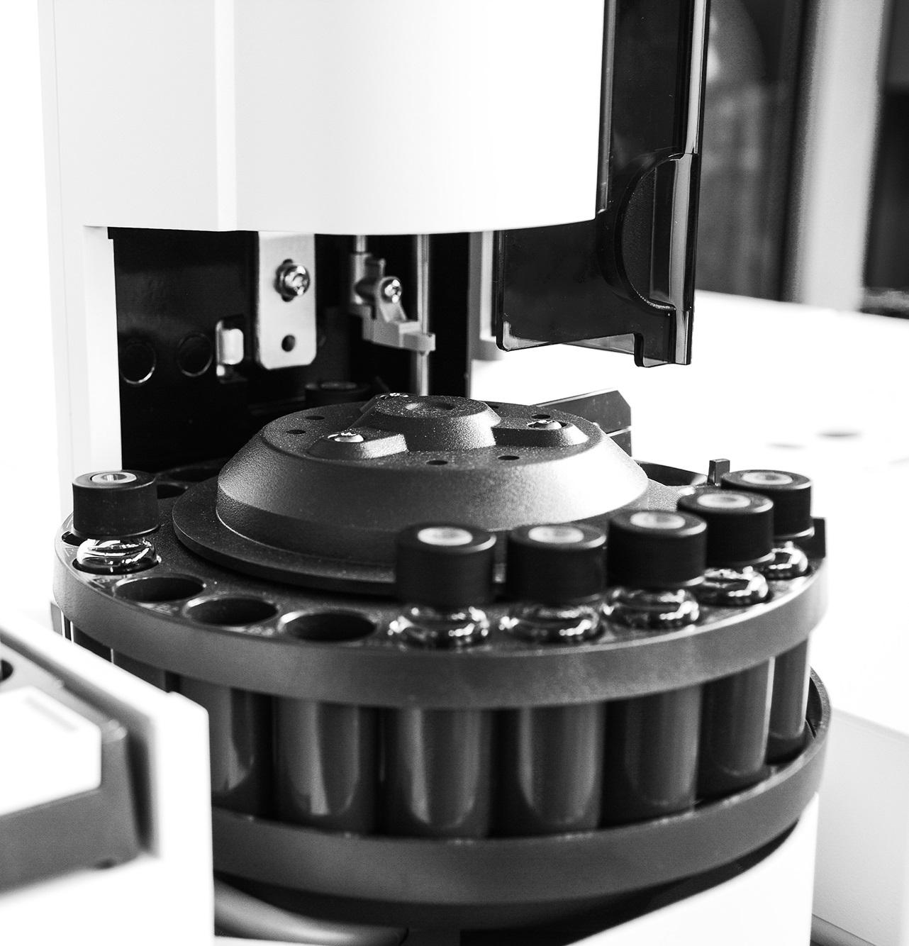 Chemnovatic laboratory test and analysis of e-liquids